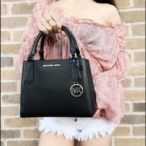 Gaby'sBags👜💕-Michael Kors Satchel &Crossbody